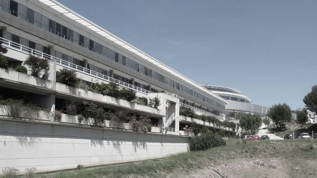 Traverses - Faculté de médecine à Nîmes