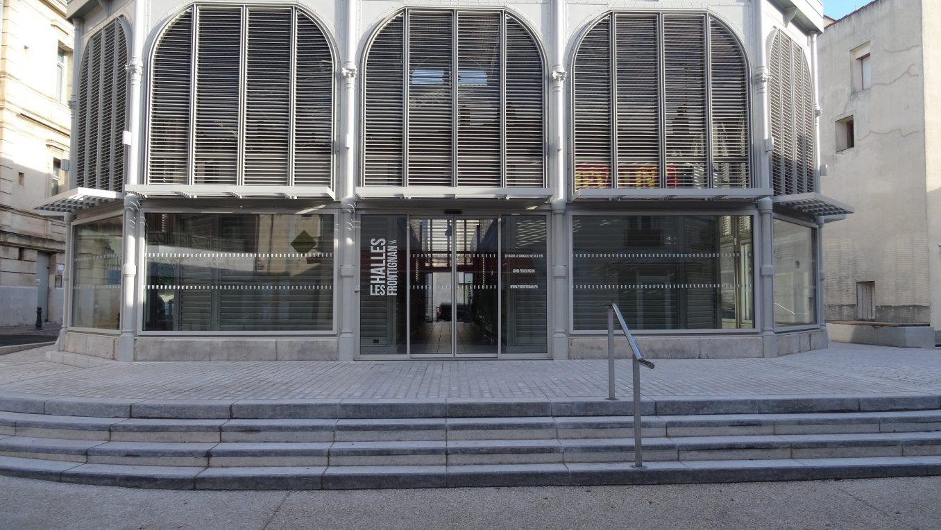 Traverses - espace surélevé - entrée principale
