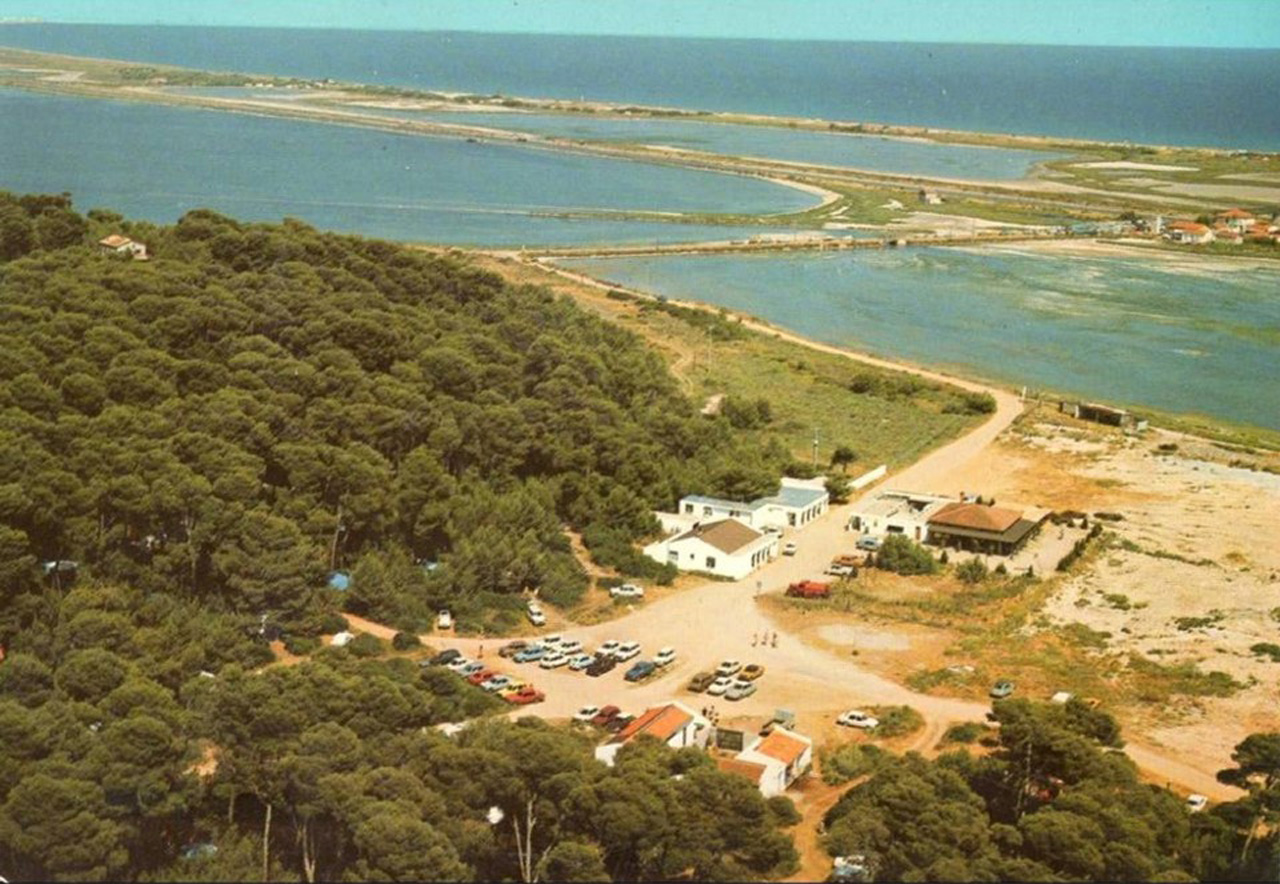 Traverses - vue aérienne ancien camping-1970
