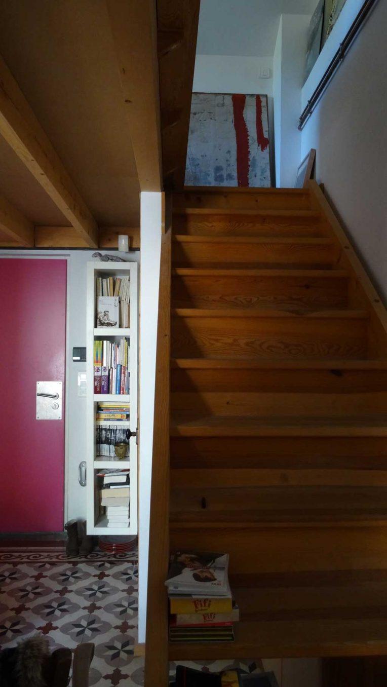 Traverses - hall d'entrée et vue vers accès étage