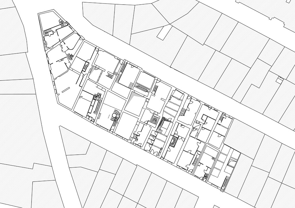 Traverses - l'imbrication bâtie : des logements mono-orientés dont la moitié ouvrent au nord, des arrières pièces non ventilées et sans lumière naturelle