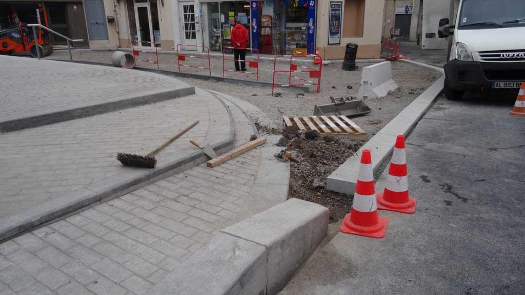 Traverses - raccordement des abords des halles rénovés sur l'espace public existant