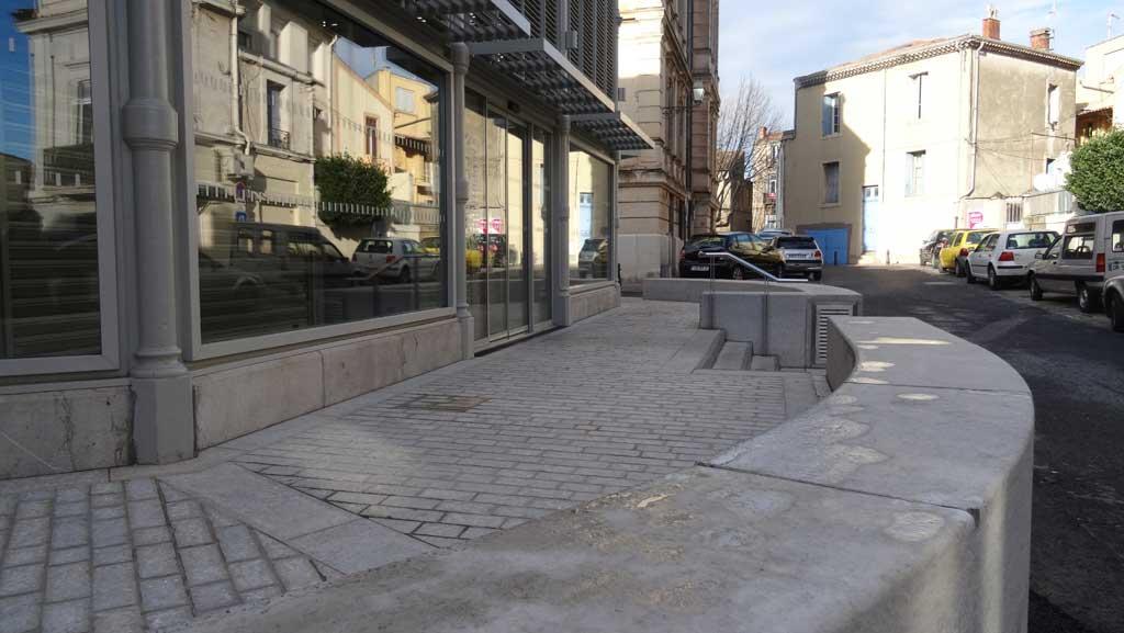 Traverses - le socle des halles rénovées - un prolongement extérieur en terrasses