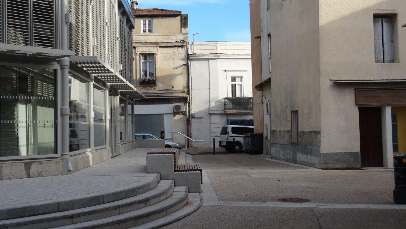 Traverses - les abords des halles après travaux - création d'un nouvel espace public