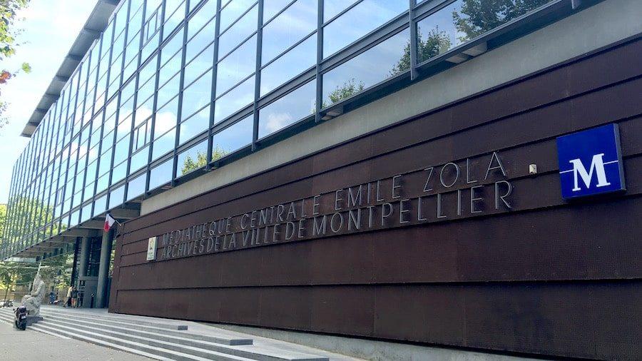 Traverses - médiathèque Emile Zola, livré en 2000 . Architectes : Paul Chemetov et Borja Huidobro